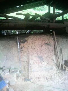 竹炭の焼き窯